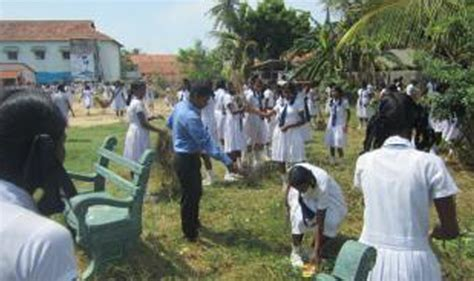 Sri Lanka Red Cross | Students armed to fight dengue in Mannar
