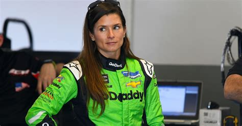 Danica Patrick leaves huge hole of women in top auto
